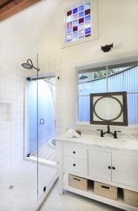 Champagne Suite - Bathroom