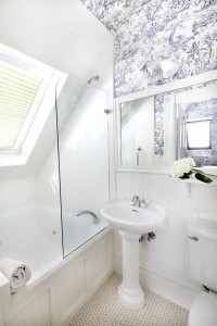 Zinfandel - Bathroom
